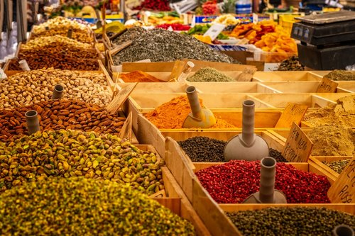 market  stand  spices