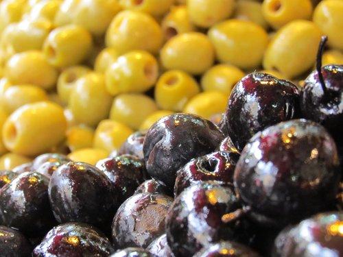 market  black olives  green olives
