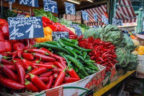 market fruits vegetables
