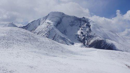 markha valley  ladakh  hiking