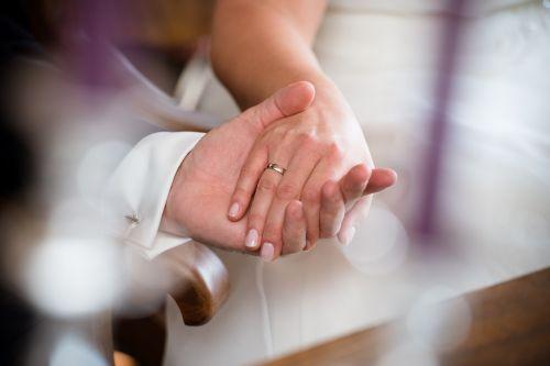 marry wedding hands