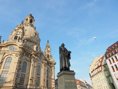 martin luther martin luther monument statue