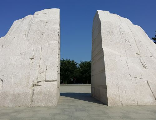 martin luther king park monument