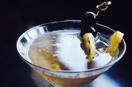 martini drink alcohol