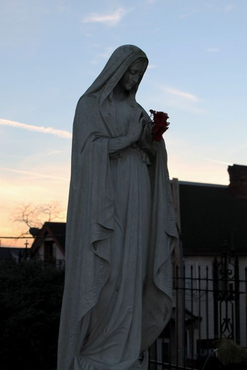 Mary Praying Statue - 01