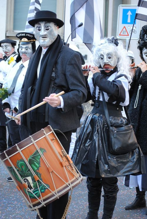 masks tambour whistler
