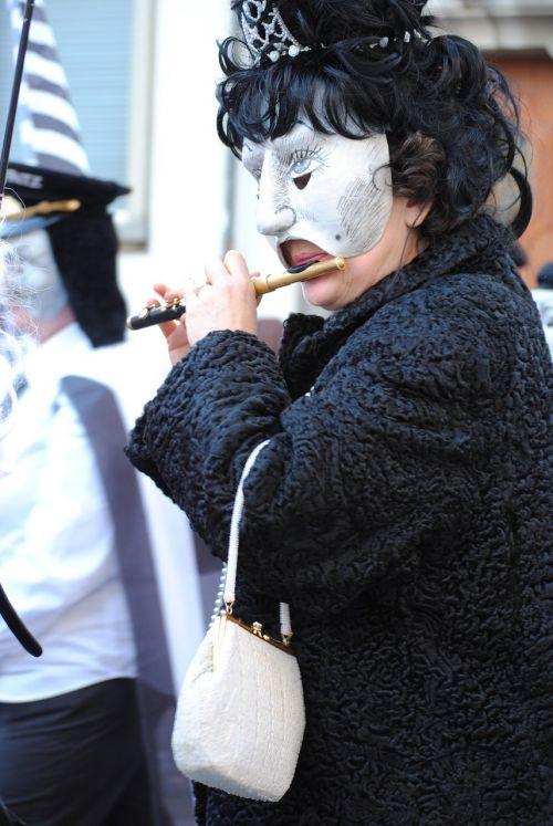 masks whistler piccolo
