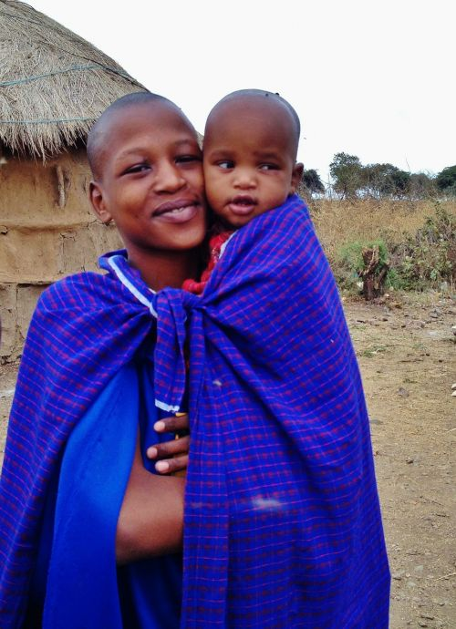 massai mother child