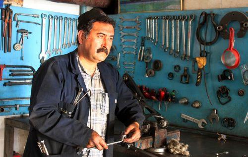 master worker repairman