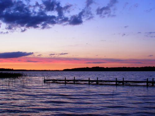 masurija,saulėlydis,ežeras,tiltas,debesys,dangus,kraštovaizdis,atostogos,vaizdas,horizontas,vakaras,gamta,tyla