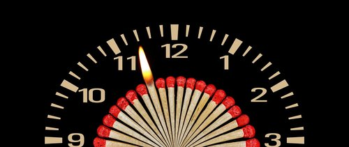 match  clock  flame