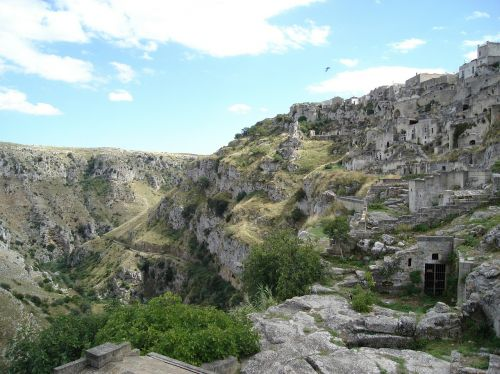 matera caves cave dwellings southern italy