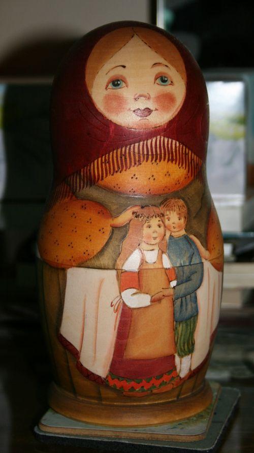 matrioshka dolls mother