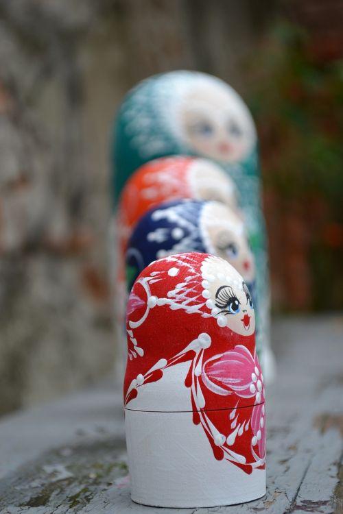 matrioska figurines russian