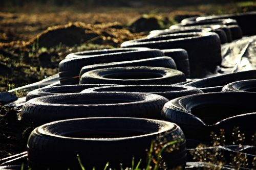 mature auto tires rubber