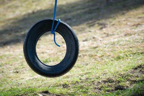mature  swing  auto tires