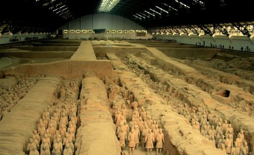 mausoleum emperor qin 8000 statues of soldiers