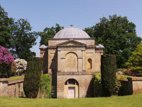 mausoleum nature building