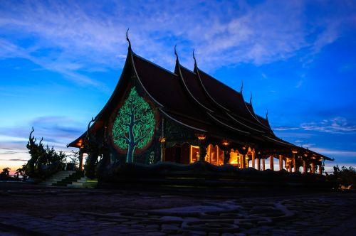 measure buddha thailand temple