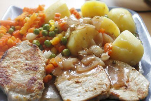 meat potatoes vegetables