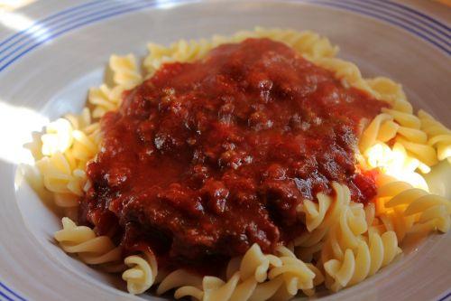 meat sauce noodles fusilli