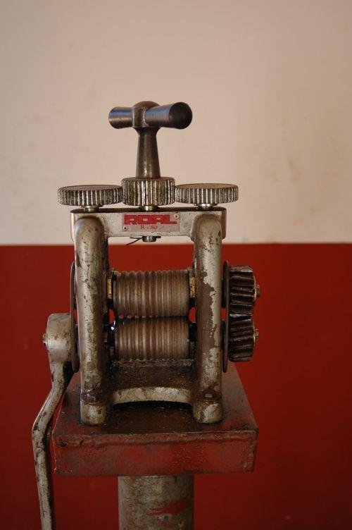 mechanical machine old