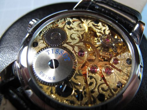 mechanical wristwatch unitas