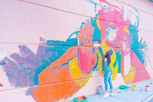 medellin urban art city