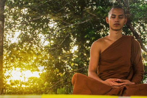meditate theravada buddhism monk