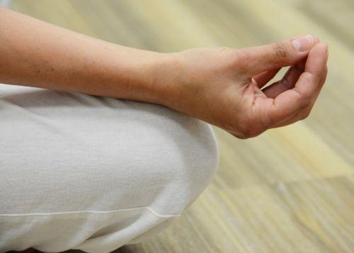 meditate finger keep