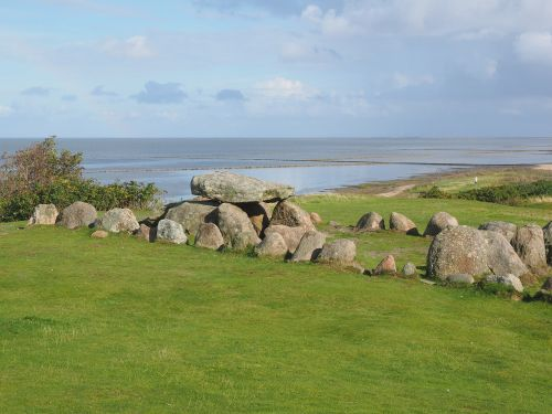 megalith facility harhoog burial mound degree