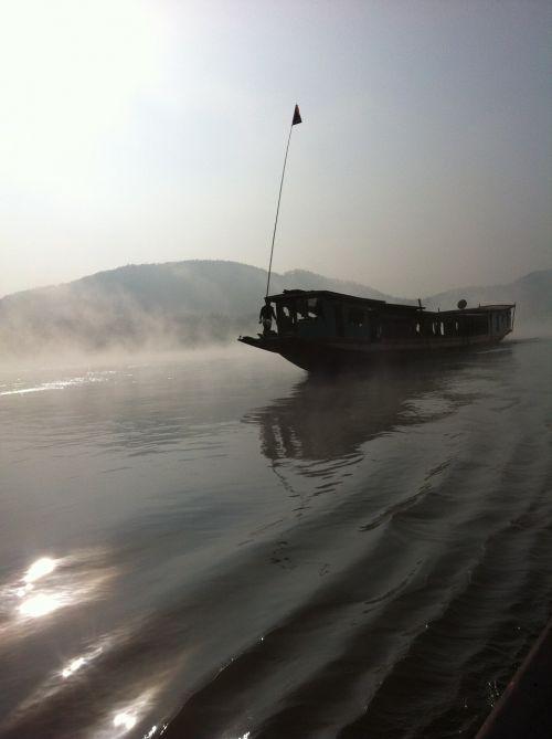 mekong river fog boot