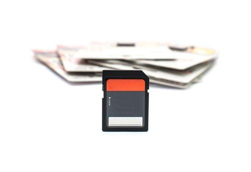 memory  card  storage device