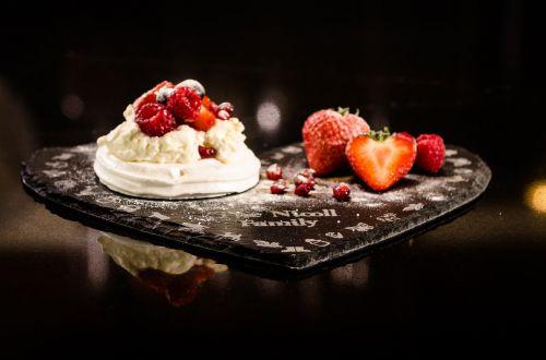 meringue pudding dessert