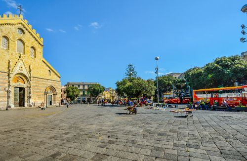 messina square sicily