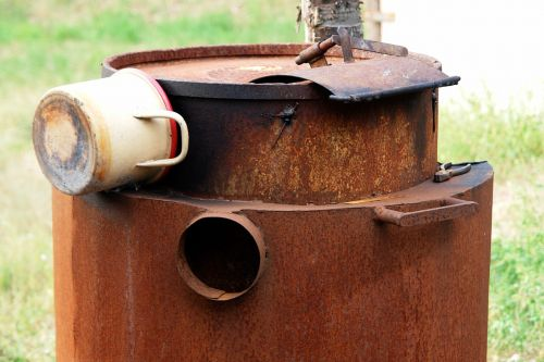 metal rust cauldron