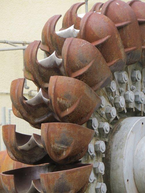 metal  turbine  rust
