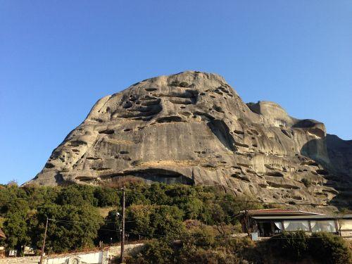 meteora mountains monastery