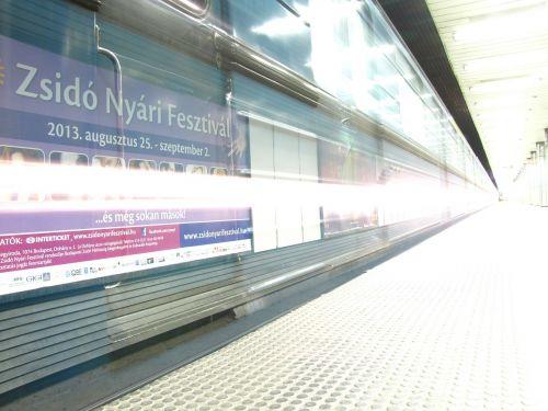 metro long shutter speed light