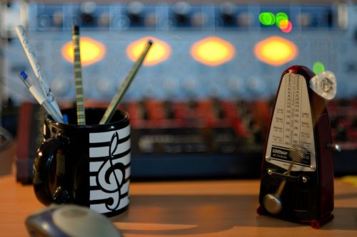 metronome clock sound studio