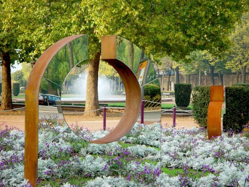 metz parc caserne ney sculpture