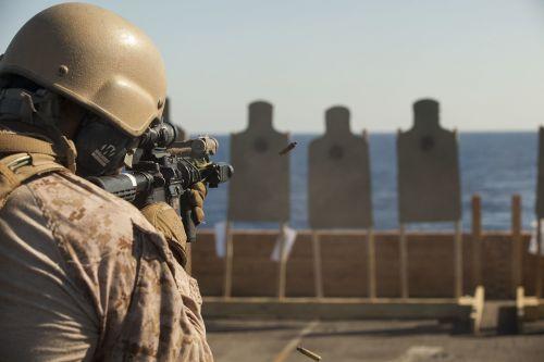 meu 24th marine expeditionary unit marines