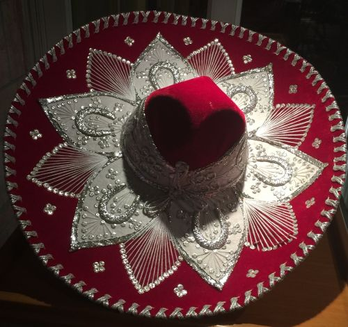 mexican hat red silver