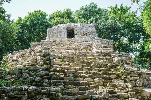 mexican ruin cancun xcaret