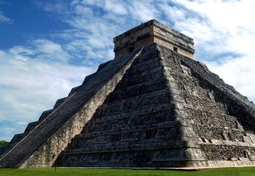 mexico pyramid chichen itza