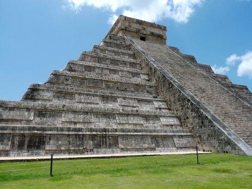 mexico pyramid maya