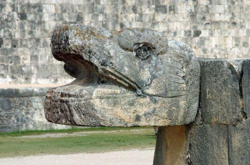 mexico chichen itza snake