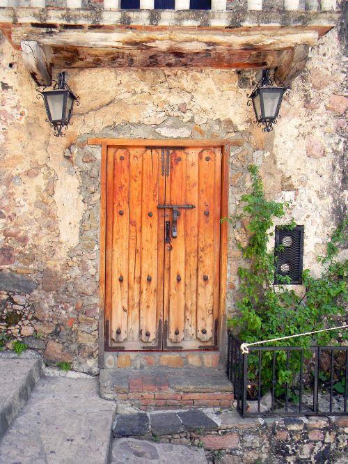 mexico door old