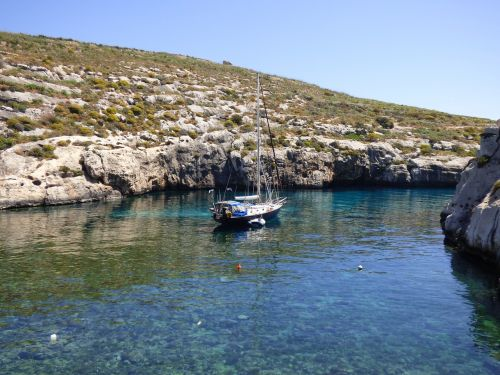 mgarr ix-xini bay secluded
