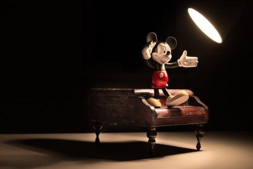 mickey spotlight piano